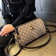 包包女包2021简约时尚蜜蜂小方包女士斜挎单肩包手提包小包潮