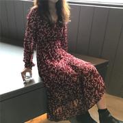 2018秋冬chic褶皱V领碎花收腰连衣裙气质长袖打底长裙女