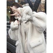 张贝贝ibell 羊羔绒外套女冬流行宽松加厚慵懒风短外套
