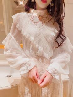 蕾丝打底衫女2019很仙的上衣洋气雪纺长袖小衫喇叭袖春装网纱