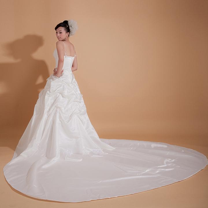 Свадебное платье 2012 23 другие материалы длинный шлейф