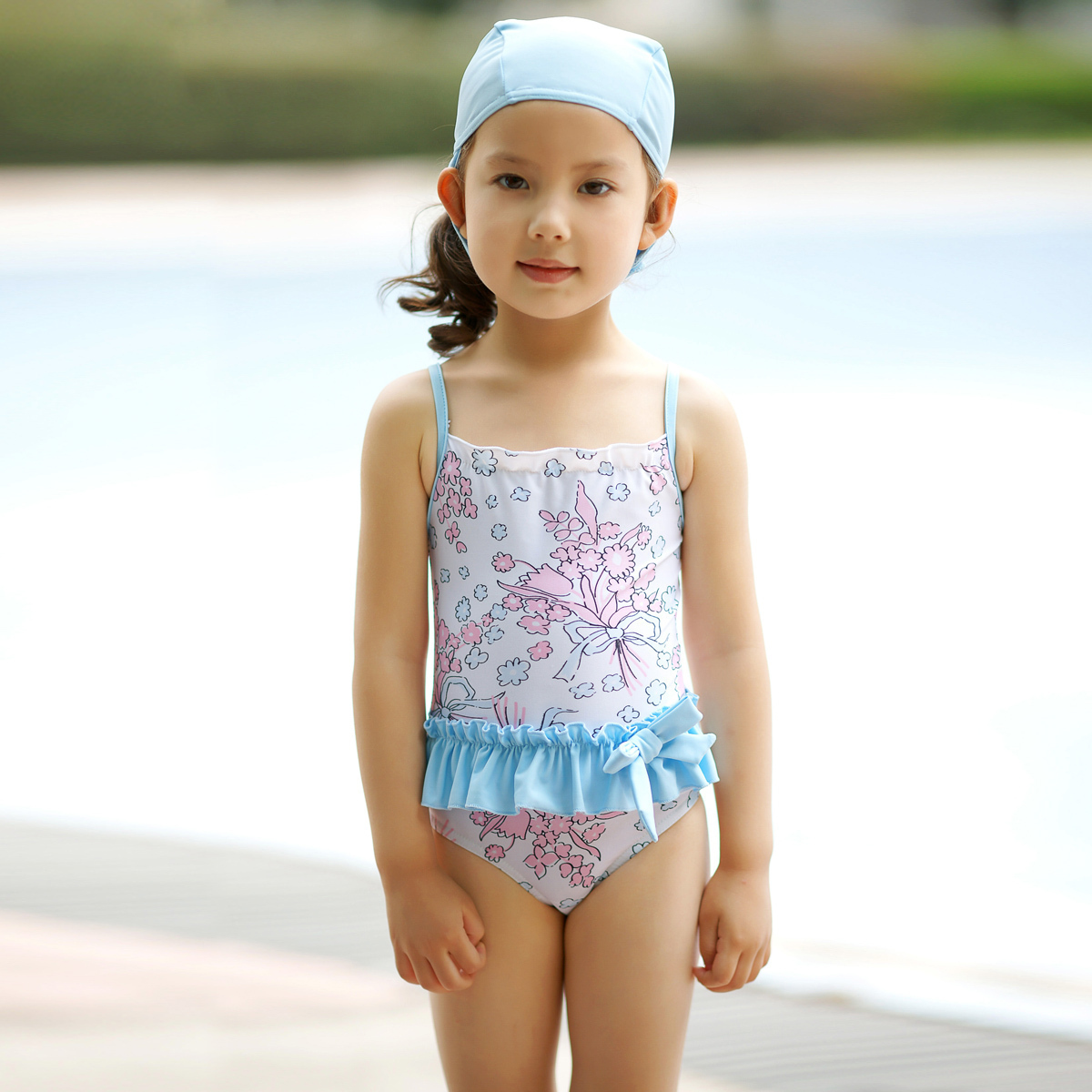Child Swimsuit Models http://www.9channel.com/taobao/product-5013723450395-Kids-swimwear-girls-bathing-suits-Korea-swimsuit-2012-new-Korean-girl-child-swimwear.html
