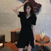 连衣裙女夏季女装V领短袖小黑裙高腰包臀不规则短裙
