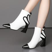 短靴女士白色2018秋冬季粗跟靴子尖头女鞋短筒高跟鞋牛皮鞋子